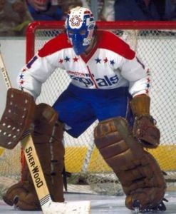 Washington Capitals goalie Ron Low